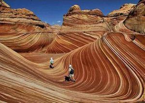 Esta formação rochosa parece pintura, mas é obra de milhões de anos de erosão e sedimentação nas dunas do Arizona. (Foto: Divulgação)