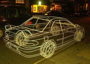 Este carro é uma escultura feita de tubos metálicos pelo artista Benedict Radcliffe. (Foto: Divulgação)
