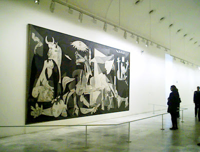https://minimizar.files.wordpress.com/2009/09/0cf89-guernica.jpg